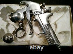 DeVilbiss- JGA 502 Pressure Paint spray Gun 264